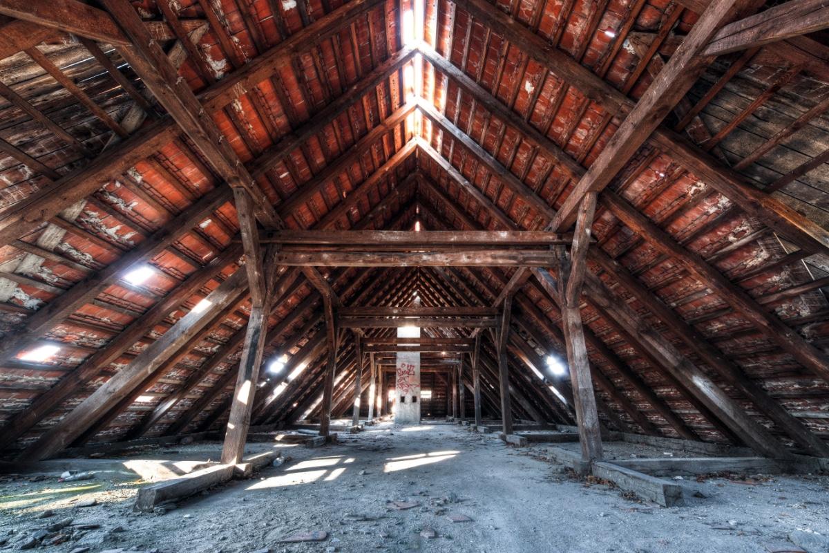 Neue Dachkonstruktion bauen